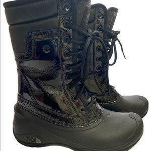 The NorthFace Women's Snow boots size: 6